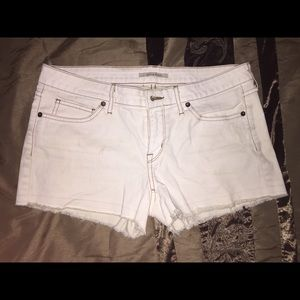 Rich and skinny white shorts